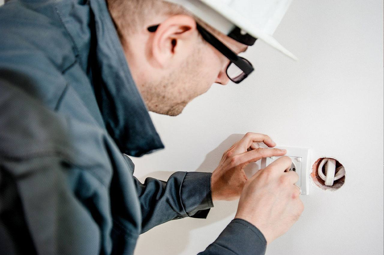 Why You Should Always Hire A Professional Electrician